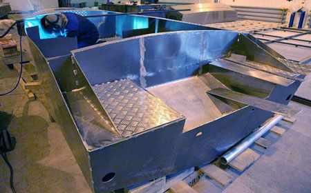 Производство корпуса лодки Barents 500
