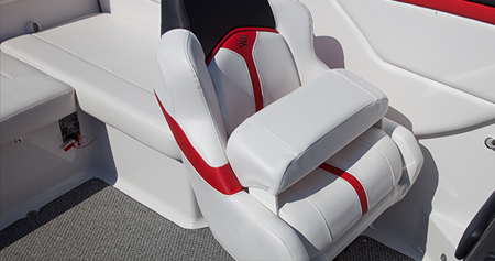 Кресла на катере «Four Winns S235»