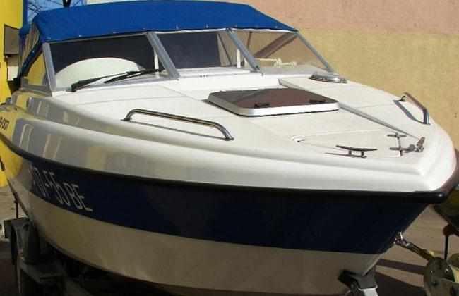 Носовая палуба лодки «Афалина 520»