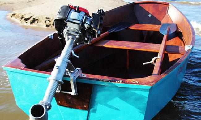 Лодка «ДжекБот 240» с мотором