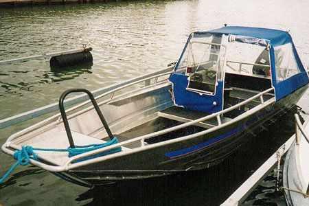 Лодка Мастер 500 с тентом