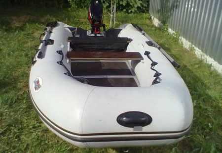 Носовая часть лодки «Лидер 360»