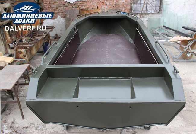Компоновка лодки «Север 4200»