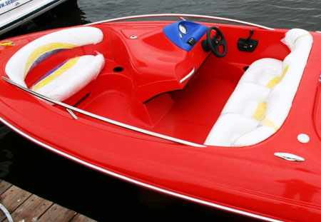 Кокпит катера «FUNKY Sport Jet»