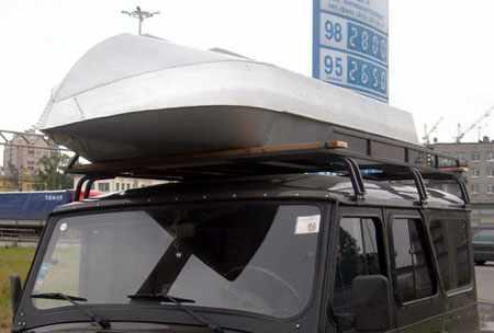 Лодка-картоп Романтика-Н на багажнике автомобиля
