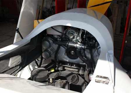 Маршевый двигатель катера «Кайман 10»