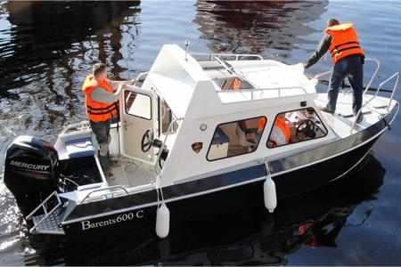 Модель с каютой «Barents 600 С»