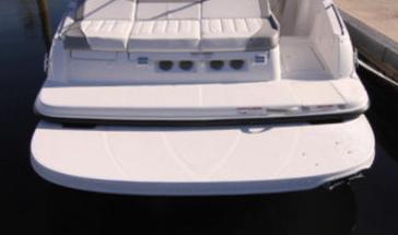 Корма катера Bayliner 215db