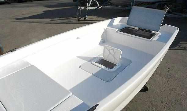 Компоновка кокпита и рундуки лодки «Бриз 11»
