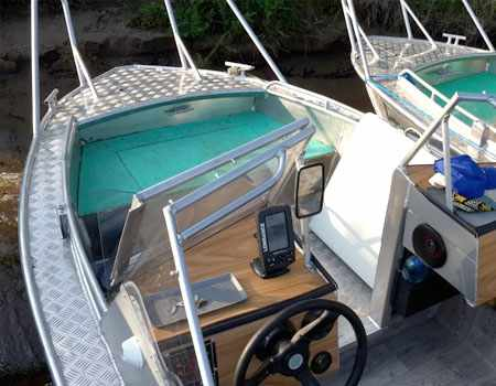 Компоновка лодки «Тактика 500 DC»