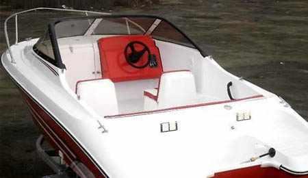 Кокпит лодки «Gayar 180»