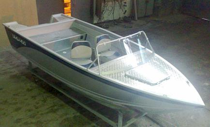 Лодка UMS450 FC NELMA