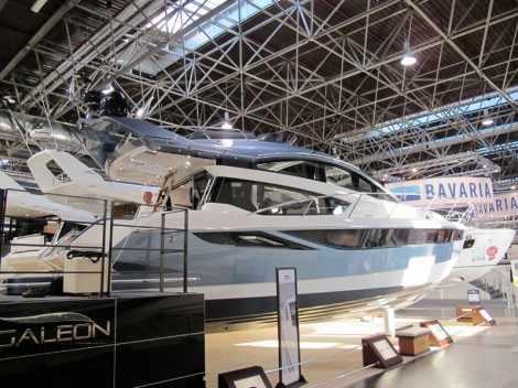 Galeon 430 Skydeck. Выставка катеров Düsseldorf Boat Show 2014