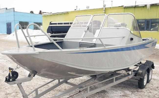 Базовая версия лодки «ЯК 58» с открытым кокпитом