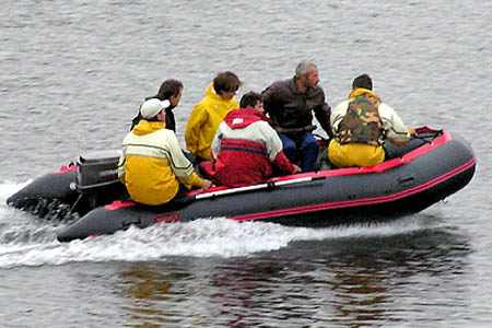 Нагруженная надувная ПВХ лодка «Командор 380»