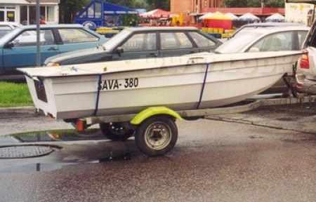 Лодка «SAVA 380» на прицепе