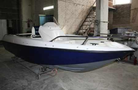 Компоновка лодки SF-460 с консолью