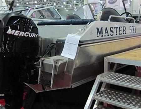Компоновка кормовой зоны лодки «Мастер 571»