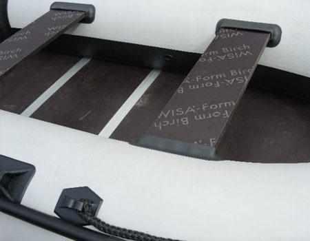 Крепление банок и пайола в лодке «Badger Utility Line 300»