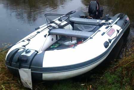 Лодка Касатка KS 365, оснащенная допами