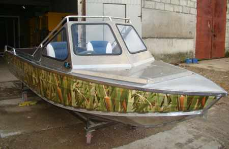 Капотный вариант лодки «Fishline 500»