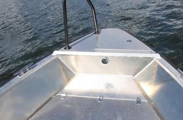 Форпик лодки «Master 471»