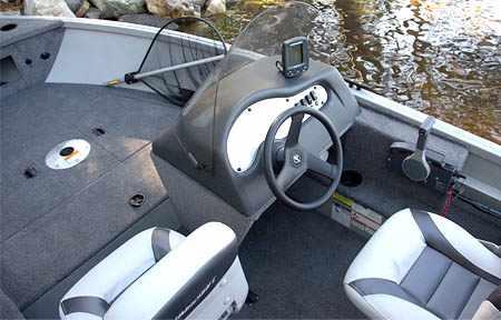 Консоль лодки «Alumacraft Escape 165 CS»