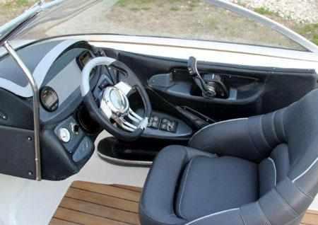 Пост управления лодки Pragmatic Sprinter Star 610