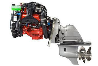 Двигатель Volvo Penta с колонкой DuoProp на катере Slider-195