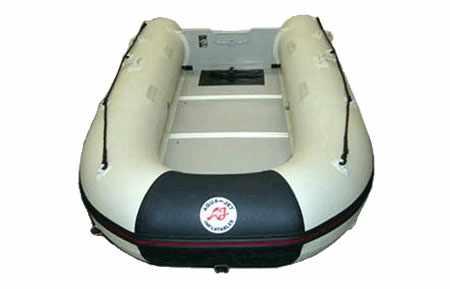 Кокпит лодки «Aqua-Jet ME 360»
