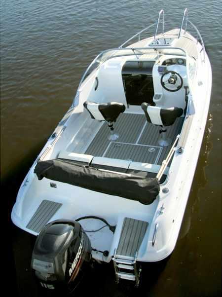 Лодка Феникс 560 с тиковым покрытием