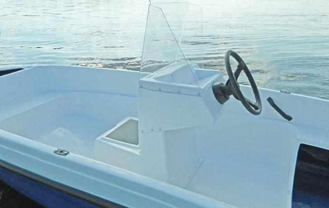 Лодка «Пингвин» с консолью