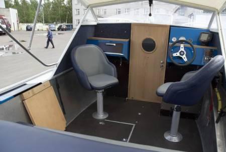 Кокпит катера ЯК-65К