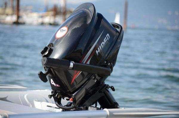 Подвесной лодочный мотор Хайди