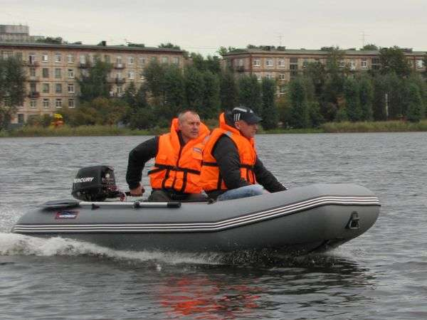 Моторная лодка Хантер 320 ЛК