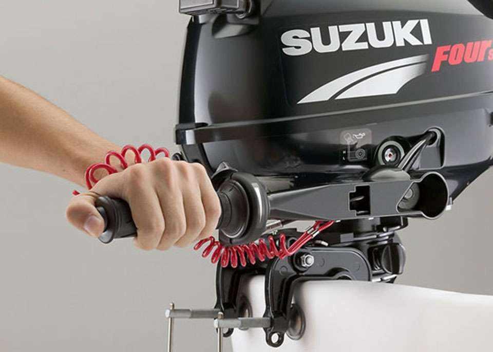 Лодочный мотор «Сузуки 2.5» четырехтактный