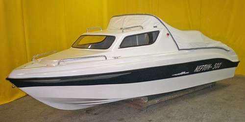 Каютный катер «Неман 500» с тентом