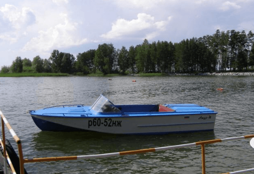 Лодка Амур