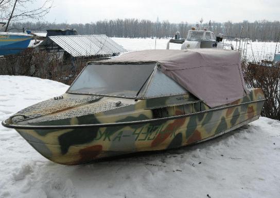 Лодка Крым с тентом