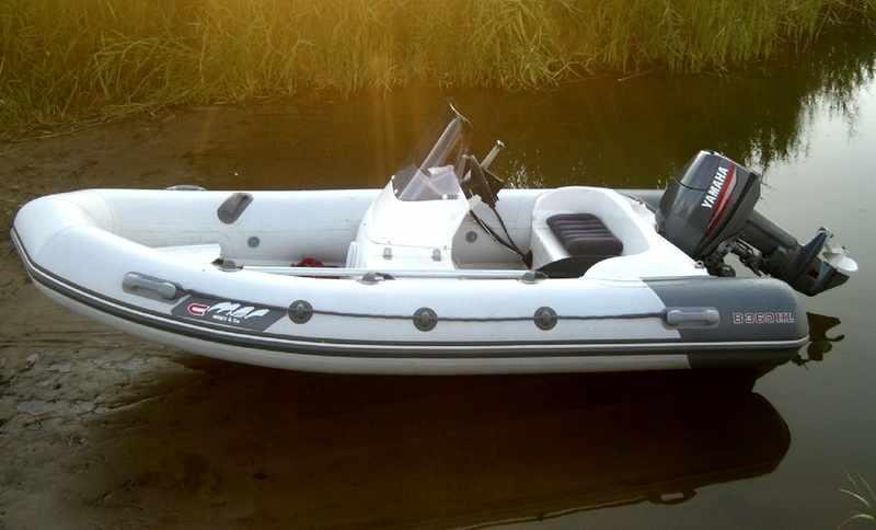 Лодка Буревестник 390