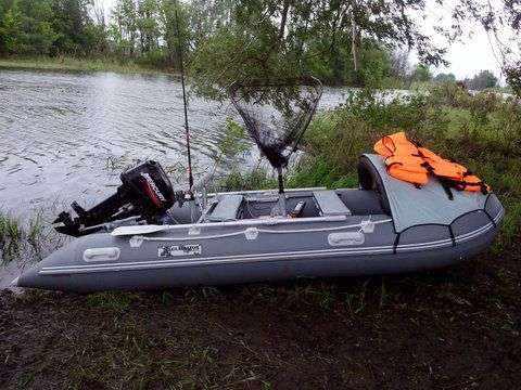 Надувная ПВХ лодка Гладиатор 370