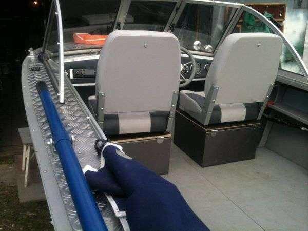 Сиденья для пассажиров моторных лодок