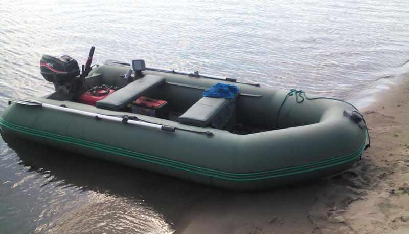 мотор HDX T 9.9 на лодке
